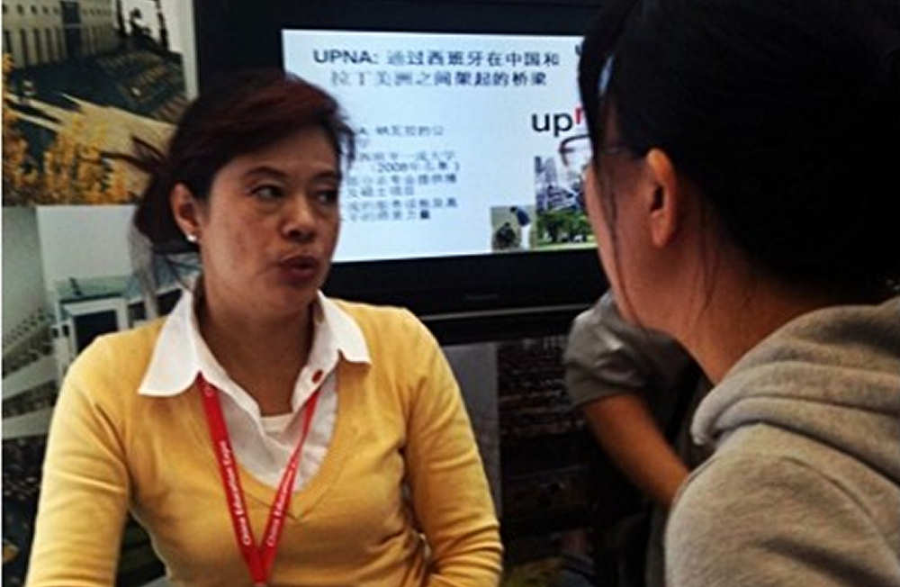 MANAGEMENT CHINA personnel performing tasks advice to Chinese students interested in training in Spanish Universities.