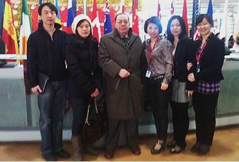 Equipo de CHINA GESTION en feria de educación